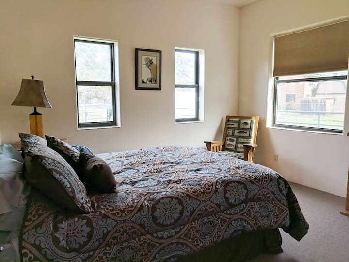 Payson Country bedroom #1