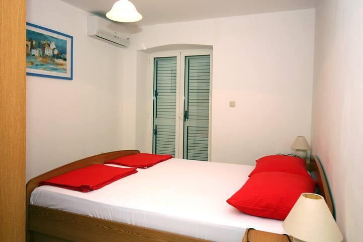 Seaview Room in Tisno 04