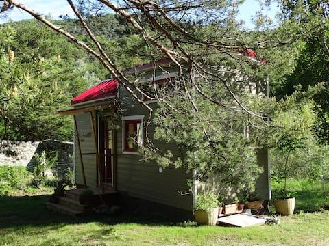 TINY HOUSE SHARNGA