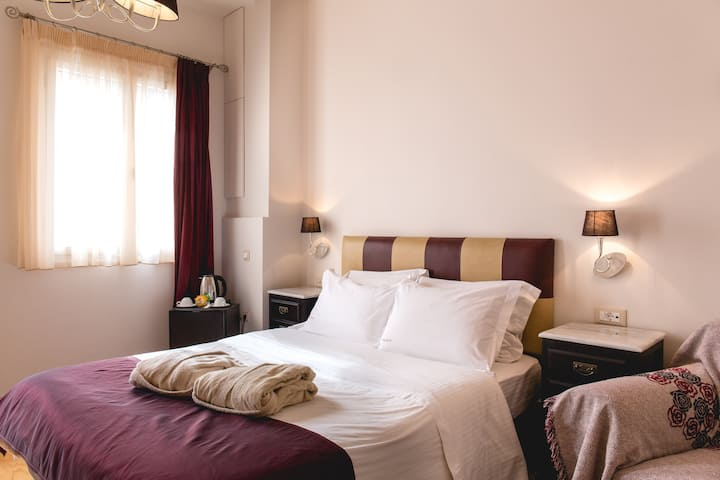 Isioni Superior double room with Castle view