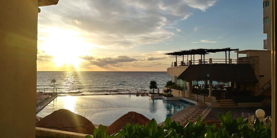 Increíble Aparthotel acceso al mar zona hotelera