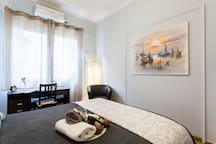 """""""its  a home away from home! Most defenedly I will coming back or recommend it to any visitors that are looking for a convenient, city centre place to stay."""" Sotiris, summer 2017"""