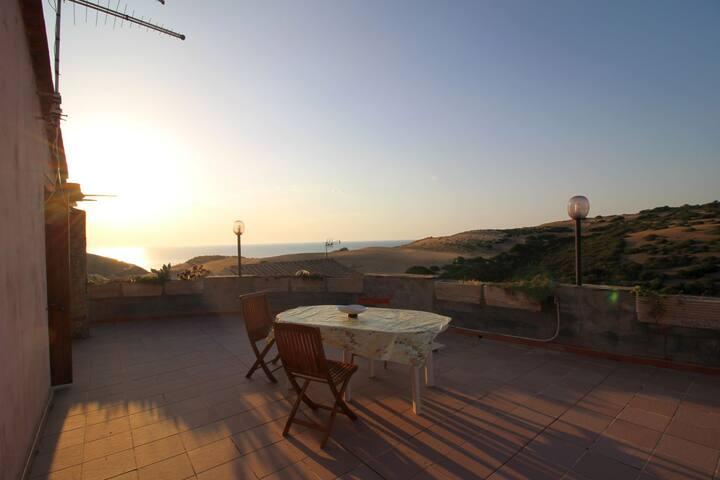 Appartamento con terrazza panoramica - Torre dei Corsari - Apartment