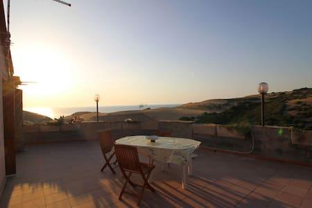 Appartamento con terrazza panoramica - Torre dei Corsari