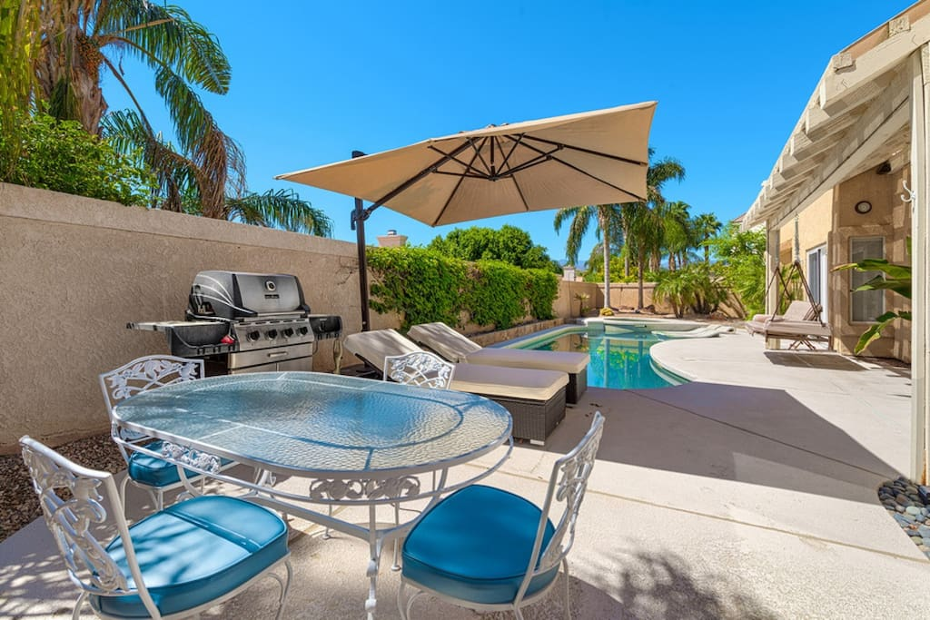 Outdoor patio with Outdoor Dining, BBQ and pool