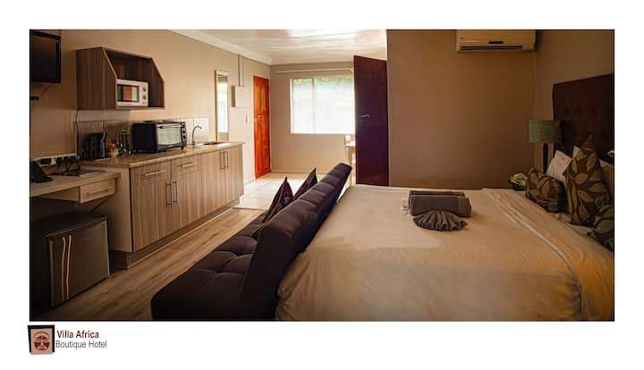 Self Catering Units -2 Rooms- 4 Guests