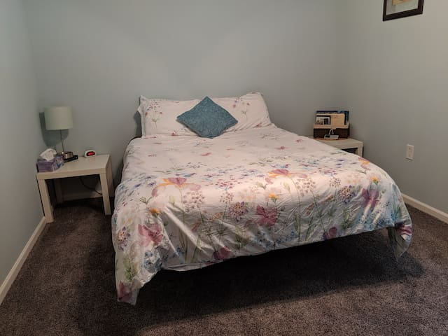 Sleep Number Bed & Private Bath near CLT Airport