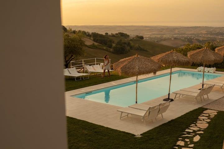 Luxury B&B 'Villa Frascali' with pool