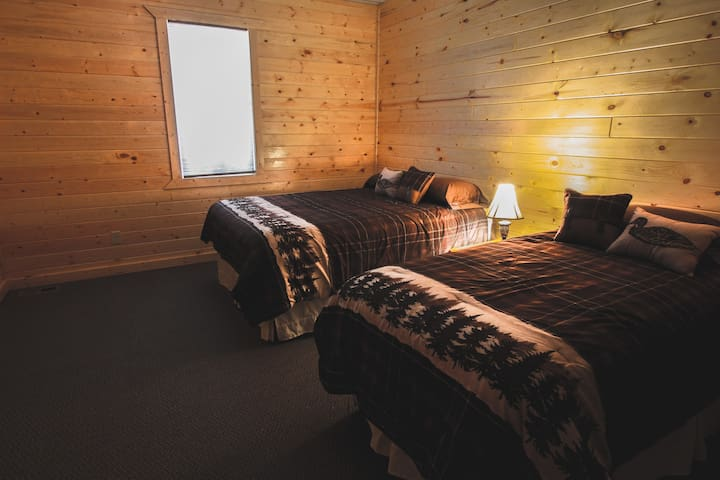Rustic Rooms #1 in Isle, near Mille Lacs Lake