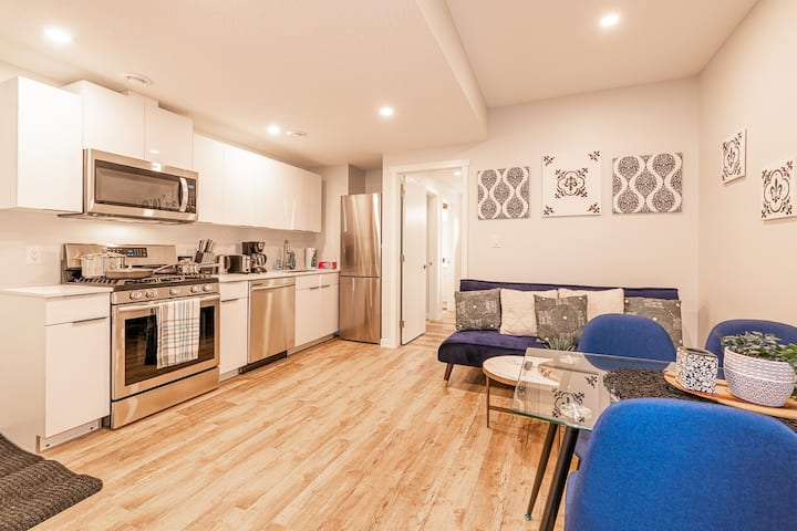 Newly Finished Private Basement Suite **Sleeps 4**
