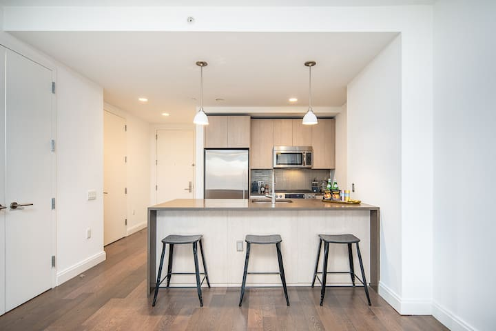 Luxurious 1 Bedroom Suite mins from NYC