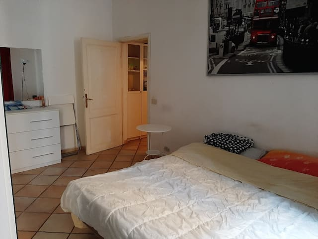 Single room near center of rome