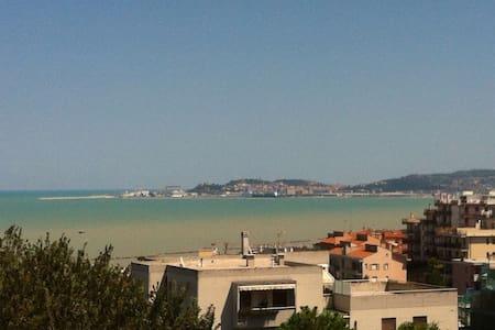 Appartamento /Summer place - Falconara Marittima - Falconara Marittima - อพาร์ทเมนท์