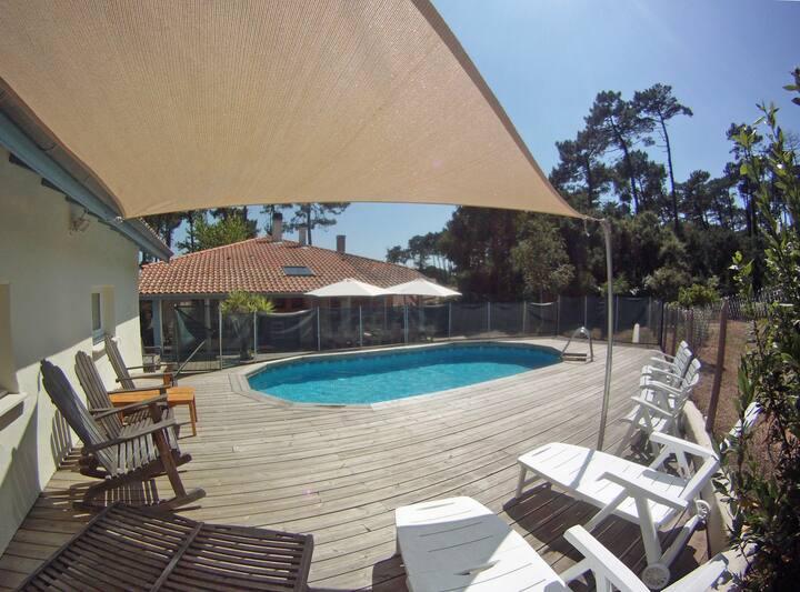 Villa 200m² avec piscine proche plages et centre