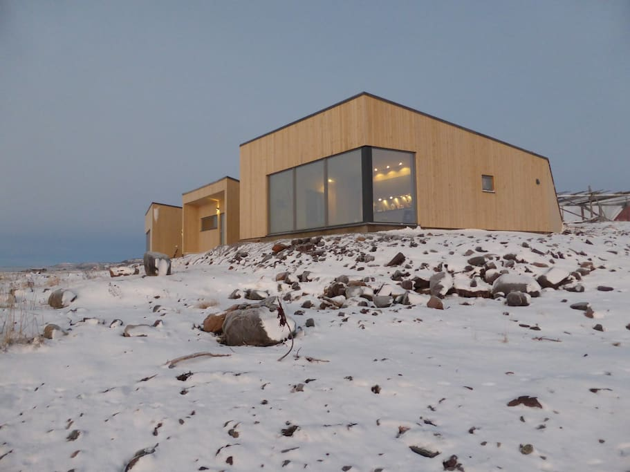 Varanger Lodge- cabin with a view to East