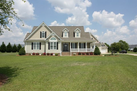Quiet Country Home Apartment Near I-95