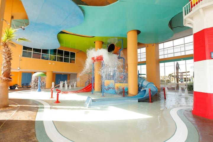 Splash Beach Resort 1701W-A - Direct Beachfront