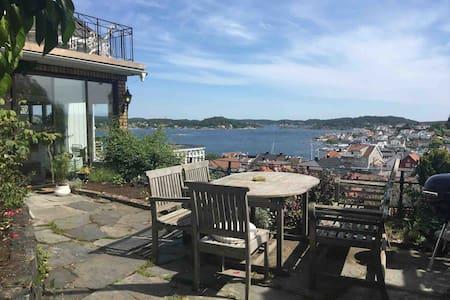 Panoramautsikt over Kragerø by