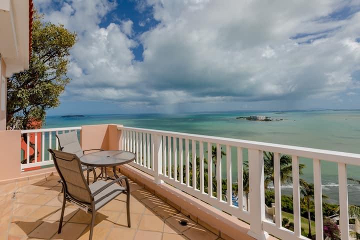 Casita Hibiscus | 1 Bedroom villa with stunning views of the Caribbean Sea