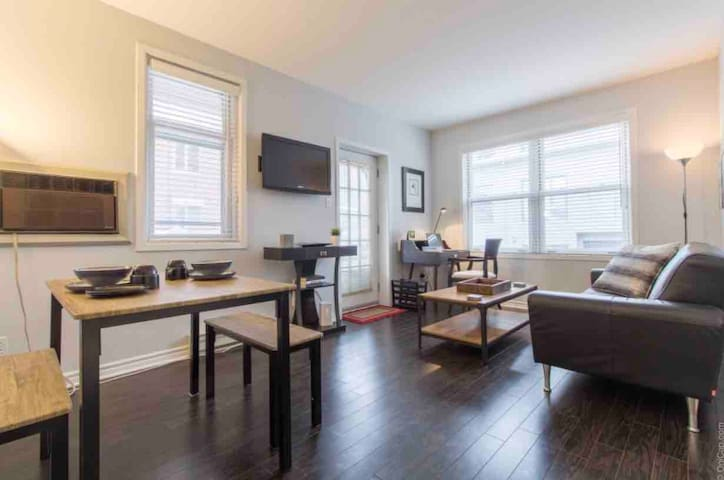 Trendy Downtown 1 Bedroom By Parliament