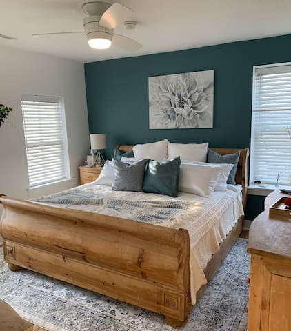 Welcoming queen sized bed with views of the Mississippi River!