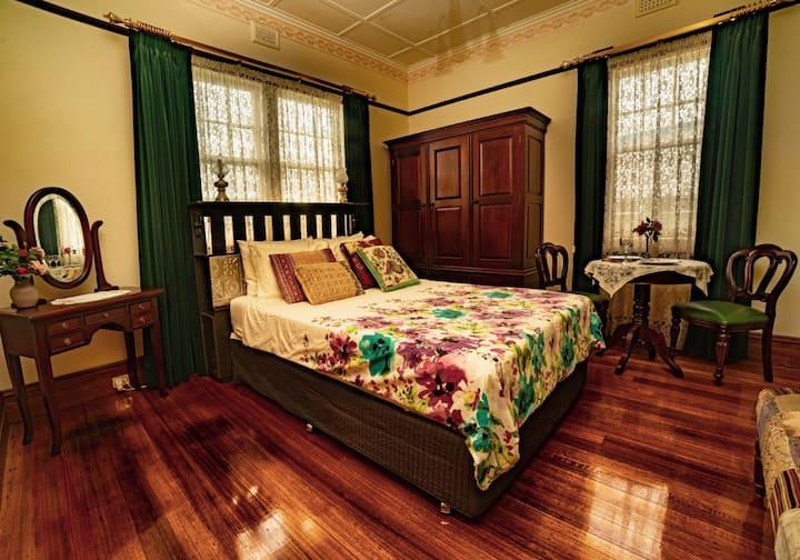 Smithton Accommodation-The Postmaster Inn BnB Rm 2