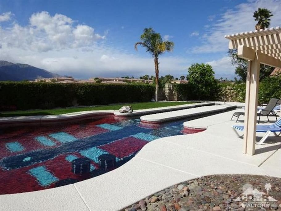 Guitar pool salt water pool, views of surrounding mountains