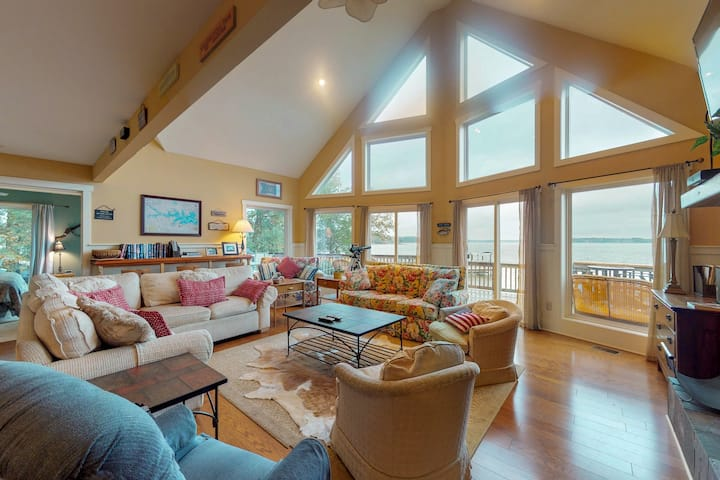 New listing! Dog-friendly lakefront family home with plenty of space and a dock!