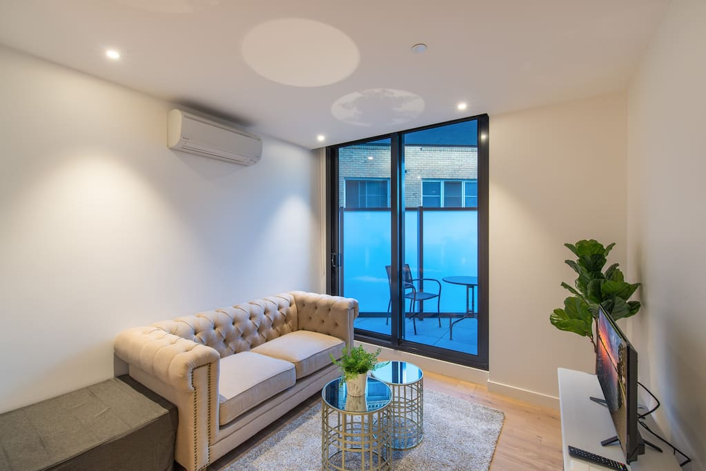 Albert Park Lakeside 2 Bedroom Modern Apartment Apartments For Rent In Melbourne Victoria