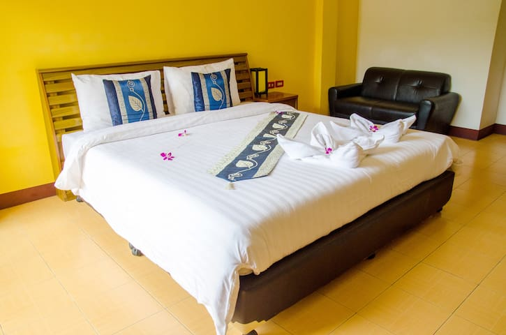 STDD Room Only-Close to shopping c.. - Tambon Patong - Pensió