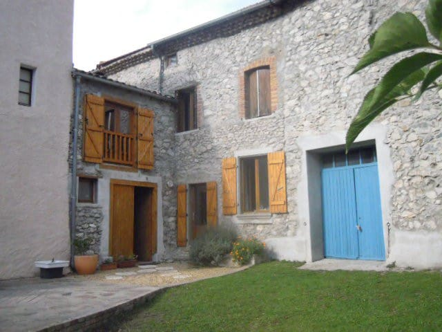 Beautiful Pyrenees village house - Belcaire - Rumah
