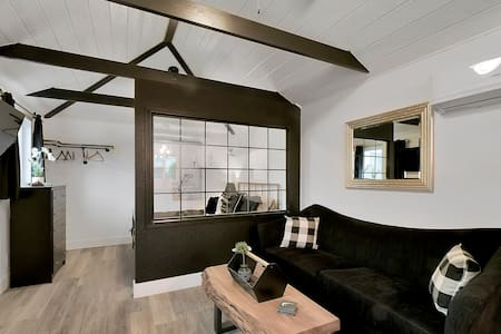 Black & White Bungalow
