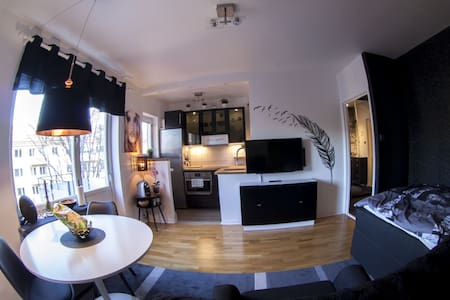 Private apartment, Middle of Solna, 5th floor - Solna - Pis