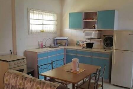 Small two aircobedrooms apartment. - Paramaribo - Lägenhet