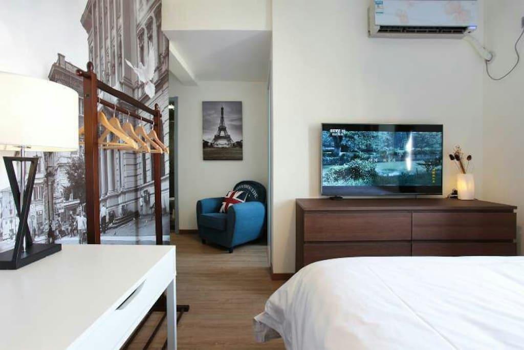 50寸微鲸电视,躺在床上的最佳观看尺寸,绝对有超爽的观影体验噢