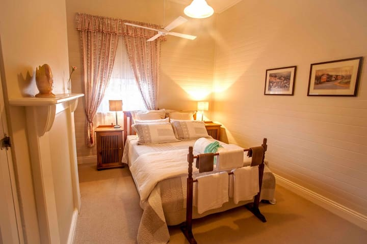 B&B Magpie Room - Dungog - Bed & Breakfast