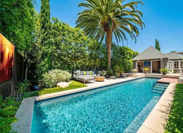 LA OASIS IN WEST HOLLYWOOD + FREE HEATED POOL 100°
