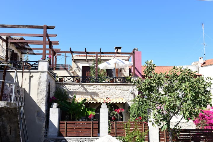 House - 8 km from the beach - Rethymno - House