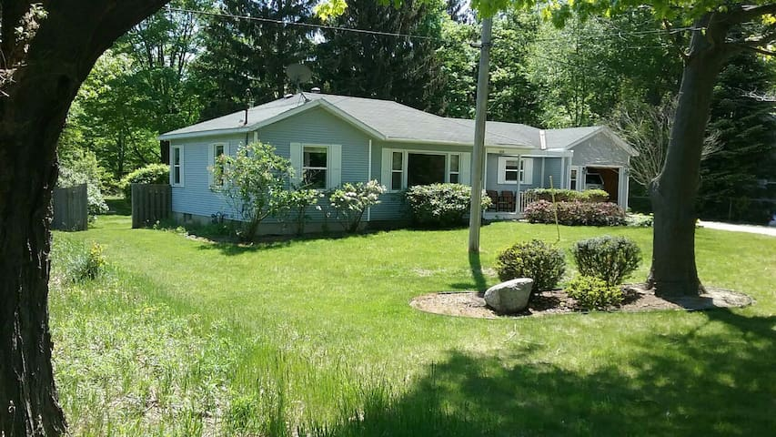 Laketown house