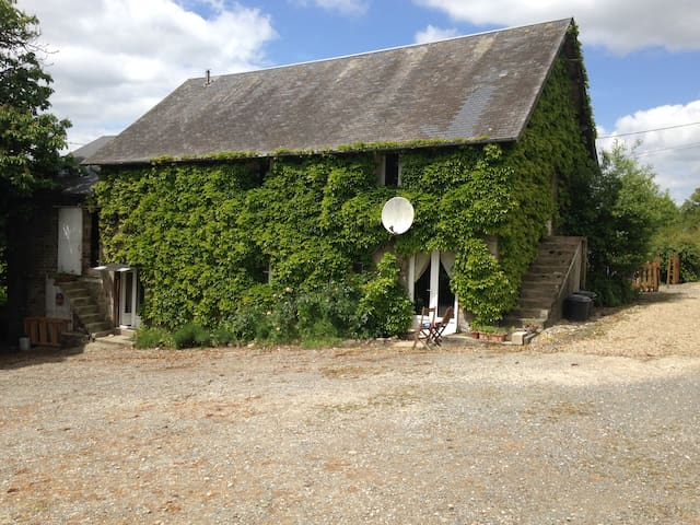 Bed and Breakfast in Normandy - Saint-Martin-des-Besaces - Aamiaismajoitus