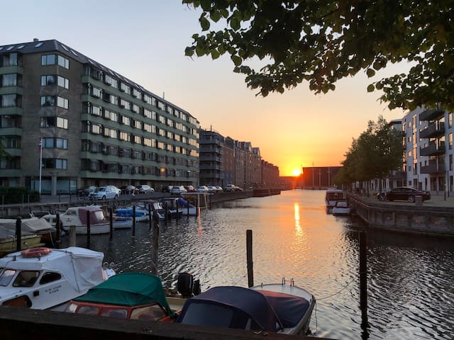 Cosy flat by the canal at Christianshavn