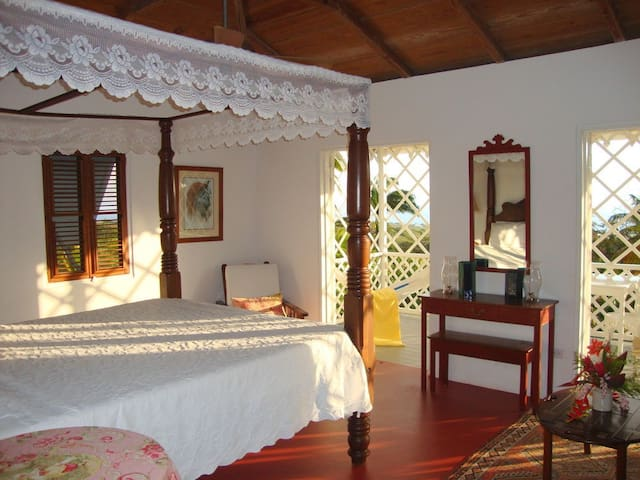 Boutique Caribbean Inn (Garden or Hillside Room) - Pond Hill - Boutique hotel