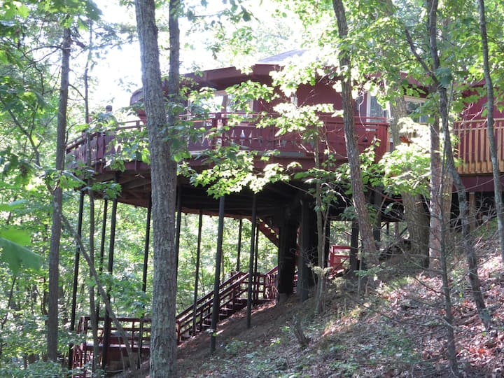 Treehouse in Bryce Resort, Basye, near Shenandoah