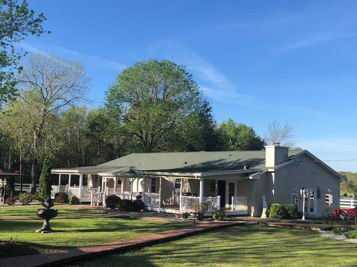 Bella Vista Suite on Gorgeous Horse Ranch