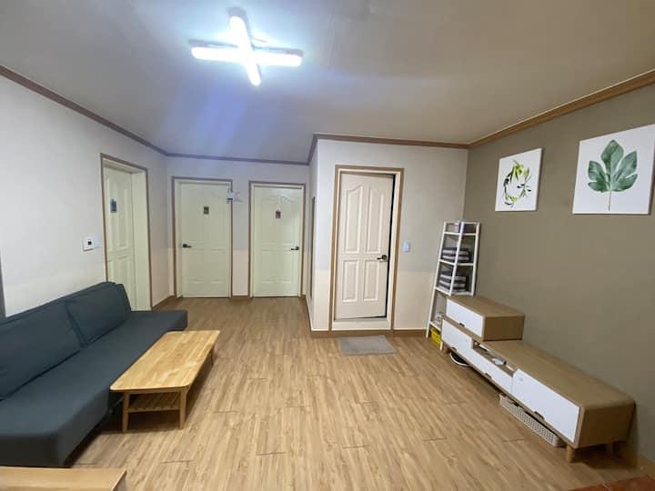 혜화역 여성전용 쉐어하우스입니다 문의부터 주세요☺️ 1인실 2개 2인실 1개