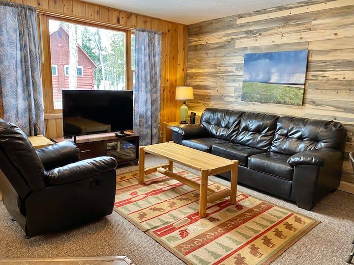 9 Fox ·Cozy & Clean Cabin! AuTrain Lake access!