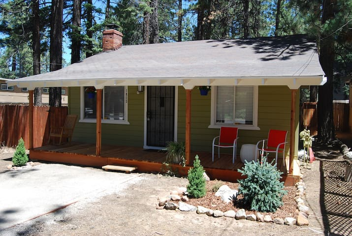 South Tahoe Bungalow Close Walk to Everything