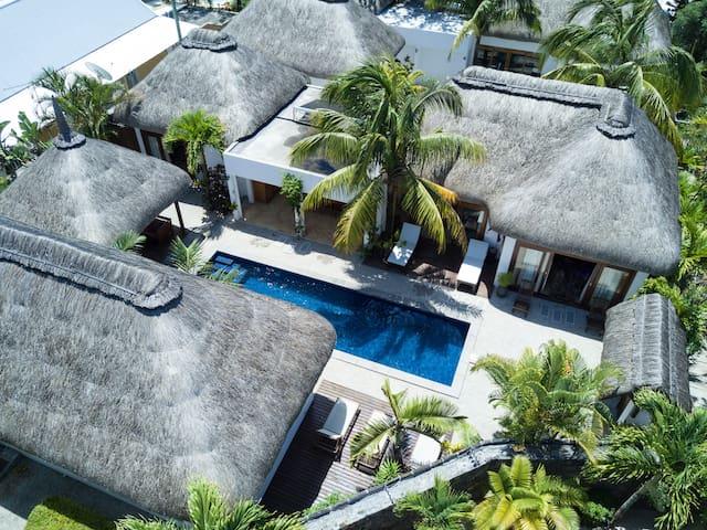 Harmonie 4 bedroom private villa& pool- beach 500m