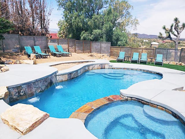 Serious Moonlight House with Pool & More!