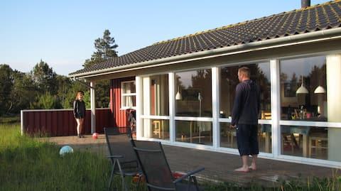 helles Ferienhaus am Thorup Strand